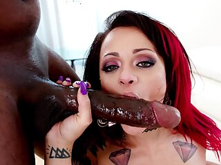 Impressive BBC anal with Holly Hendrix and endowed Mandingo