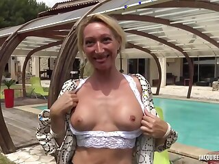Amateur Blonde Milf Betty Assfucked Outdoor !!!!!!!!