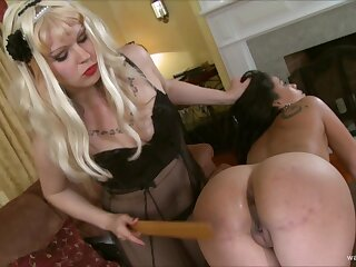 Despondent joyless gets her pussy drilled by a dominant tow-haired piece of baggage