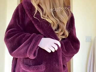My bathrobe hides the perfect fuckdoll body. Wanna take it for a test drive?