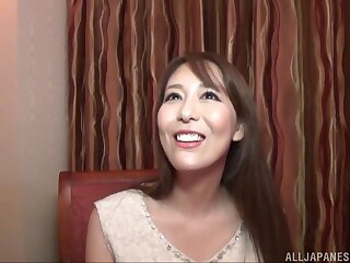 Handsome Japanese girlfriend Akari Asagiri spreads her toes to repugnance pleased