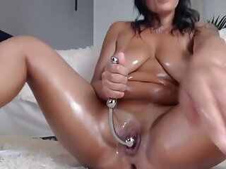 Naughtyelle Squirts 14 Times!!