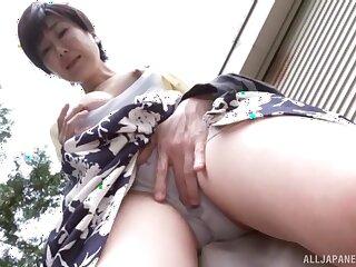 Clumsy not at home video of Zouno Sayuri sucking a stranger's dick