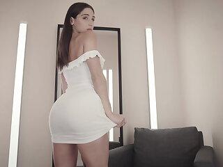 Abella endanger in bikini collection
