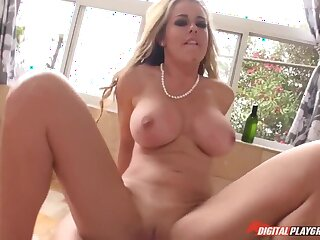 Stepmom's Horny don't Tell Dad!