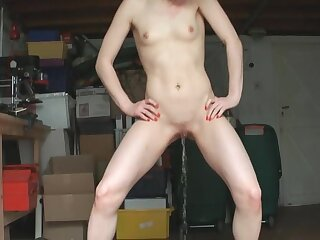 Only hottie Priscilla Lovett tries out a new toy surpassing her pussy