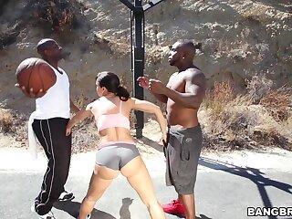 Act out boobs MILF Lisa Ann moans during interracial threesome