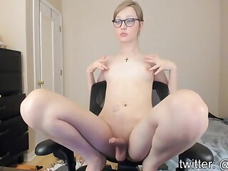 Sexy shemale posing on webcam and masturbate
